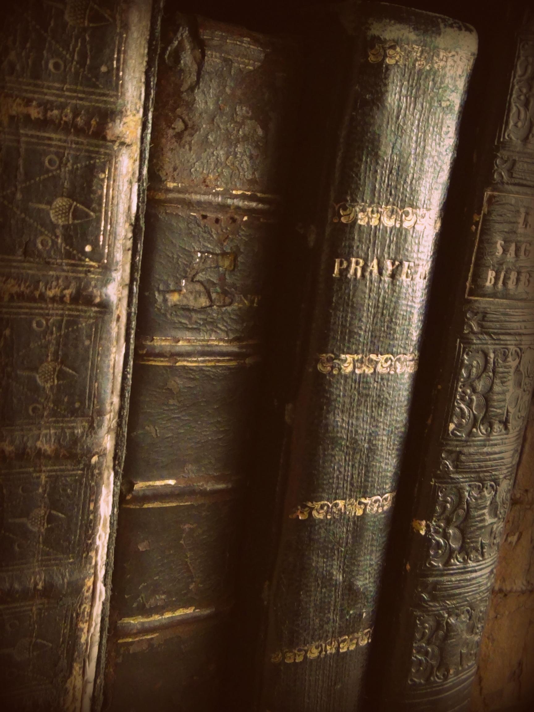 Old books © 2018 Simon Peter Sutherland
